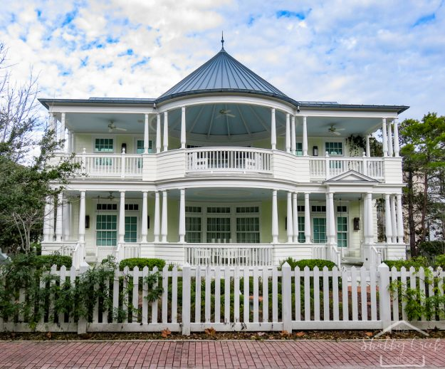 take a visual tour of one of the most beautiful beach town that Florida has to offer- The Emerald Coast in Seaside, Florida