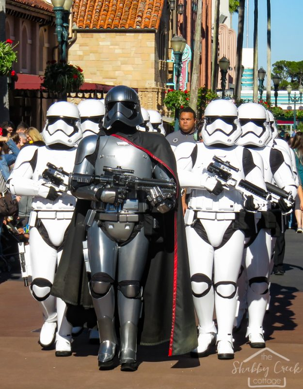 Disney World Hacks - great tips on what to do before you go!