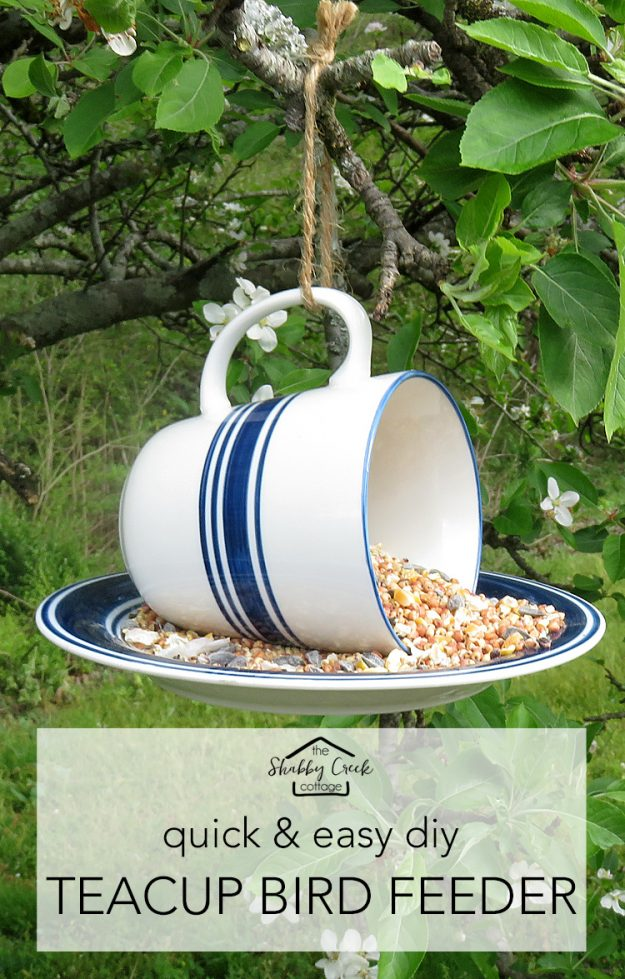 This teacup bird feeder is so cute! And you can make it in just a couple of minutes.