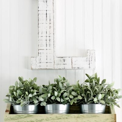 How to make a rustic farmhouse wall decor bin