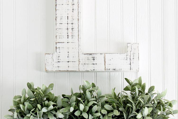 How to make a rustic farmhouse wall decor bin