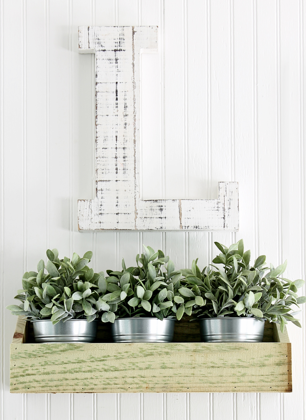 How to Make Wooden Farmhouse Wall Decor Bins for $2 in 15 Minutes