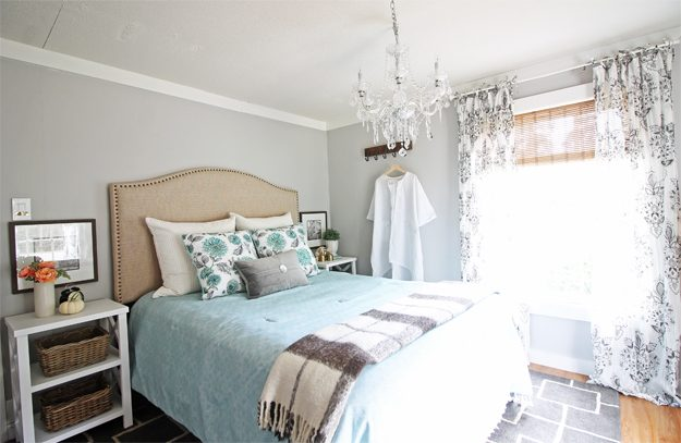 Modern farmhouse bedroom makeover all in a weekend for Modern farmhouse bedroom