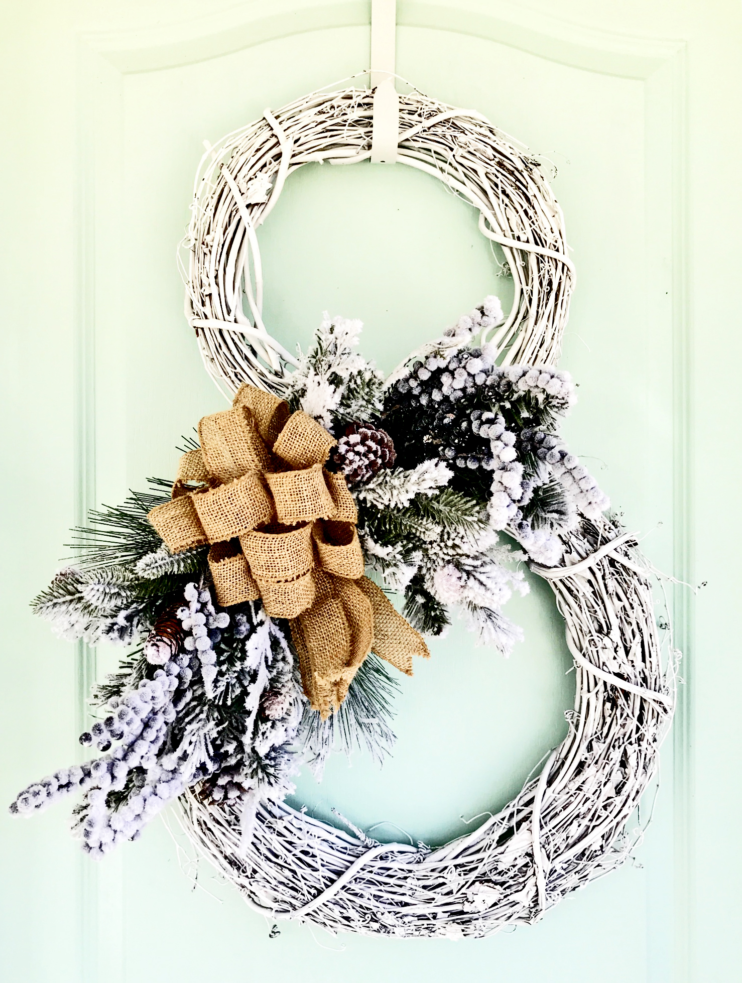 How To Make A Snowman Wreath In Under 30 Minutes Video