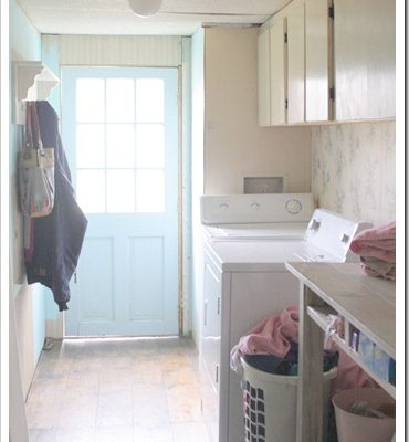 Farmhouse Laundry Room Makeover (for under $200)