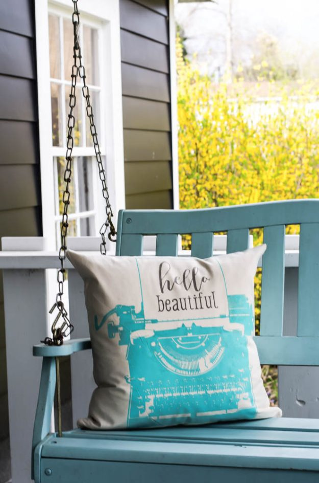 How to make a typewriter pillow with the Chalk Couture Typewriter Transfer