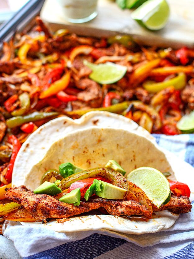 Easy sheet pan chicken fajitas - oh these look amazing!