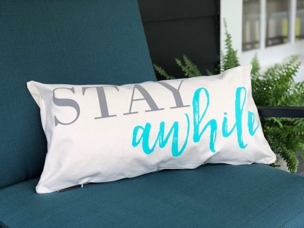 how to make this easy quote printed pillow WITHOUT A CRAFT MACHINE!