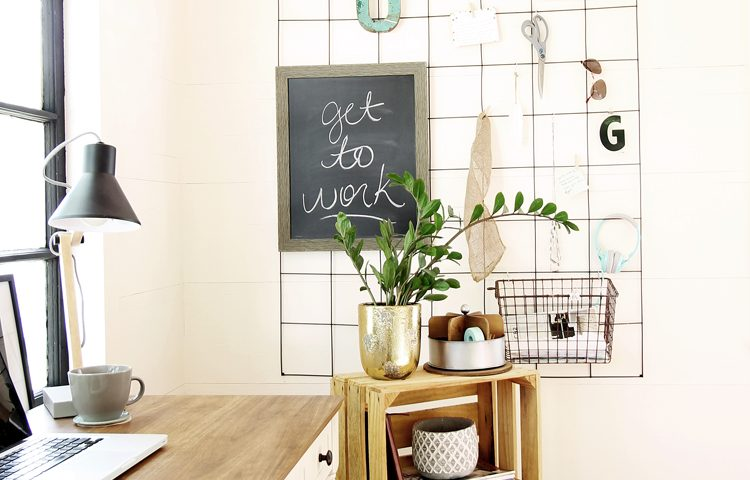 How to Make a Wire Mesh Memo Board