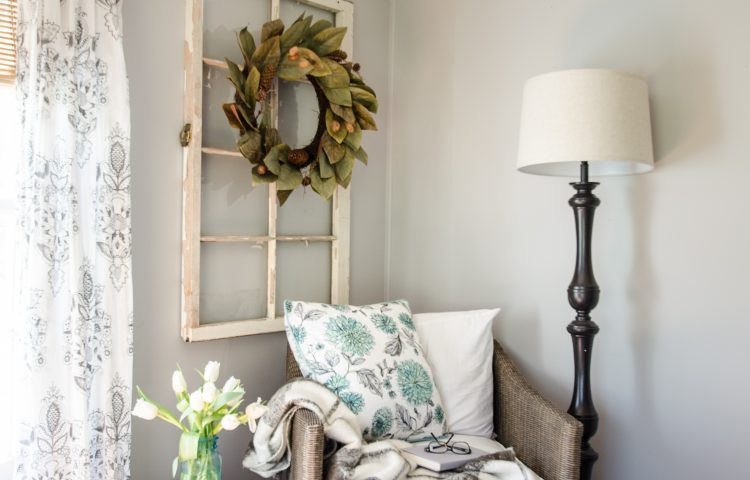 My Favorite Places to Find the Best Farmhouse Pillows on a Budget